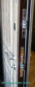 Входная трёхконтурная дверь от завода производителя ДверьПром